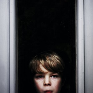 Boy looking through window - 37pts