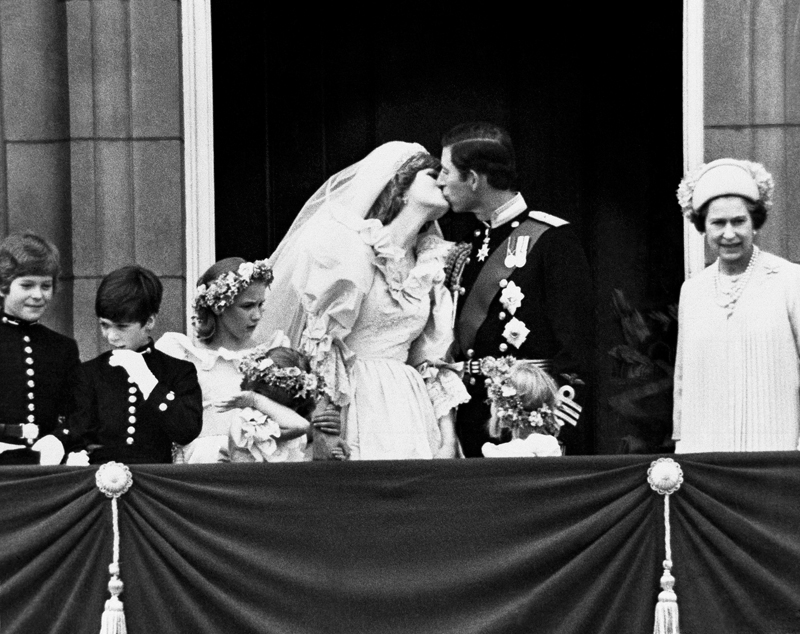 The Kiss – Arthur Steel – Iconic Photograph