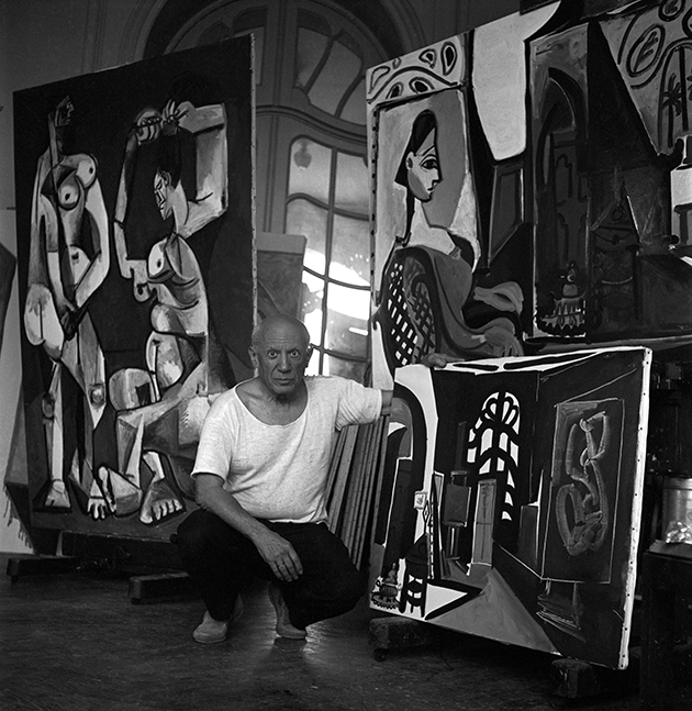 P0895, Picasso with La Coiffure, Villa La Californie, France, 1956.web