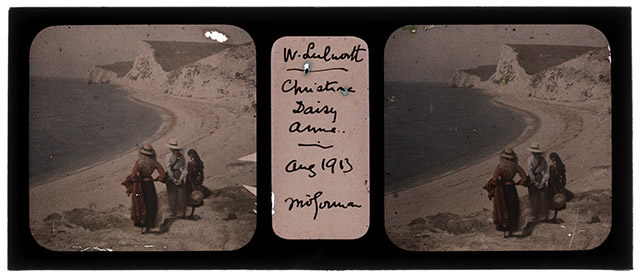 Stereo autochrome_Christina, Daisy & Anne, walking to the beach in West Lulworth. Courtesy Stephen Riddle.web