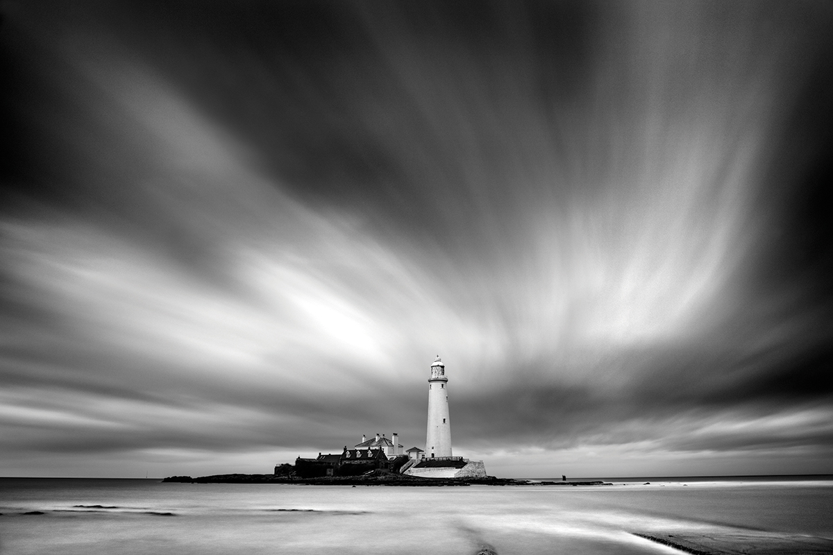 St Mary's Island, Tyne & Wear. A long exposure recorded the streaky sky in this scene. Canon EOS 5DS, 24-70mm, 111 seconds @ f/11, ISO 100