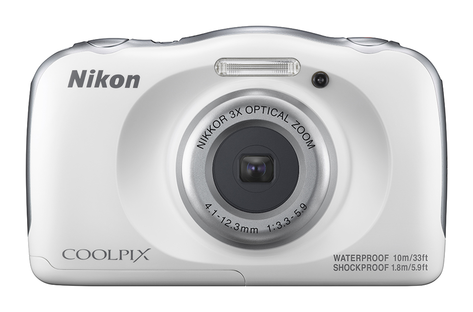 Nikon Coolpix W100 targets holidaymakers