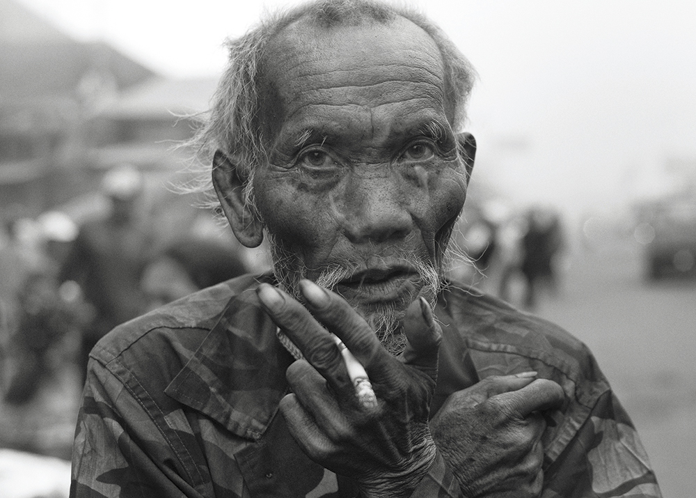 gavin mills old man smoking
