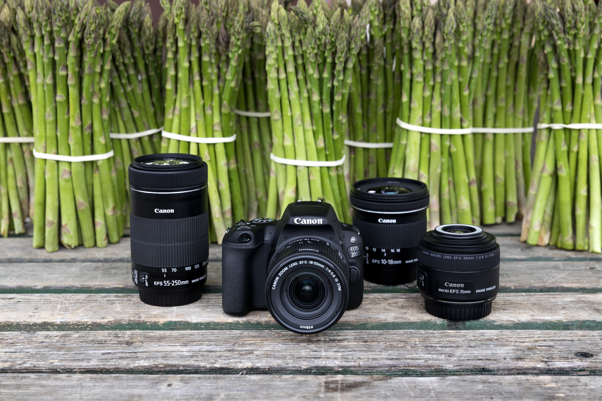 Canon reveals the EOS 200D as its latest lightweight DSLR