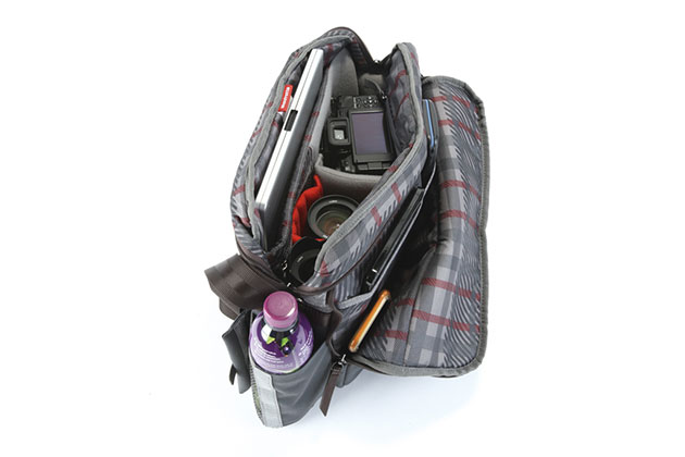 A review of the versatile Manfrotto Windsor Reporter shoulder bag