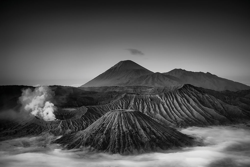 Monochrome Bromo Tengger Semeru National Park - Tony Sellen