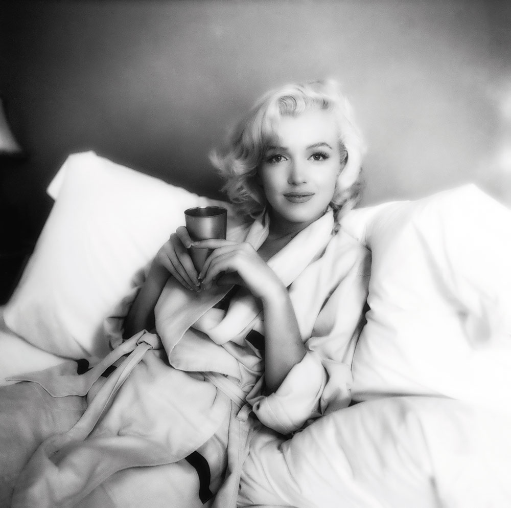 Milton H Greene Marilyn Monroe unpublished image Bed Sitting 1953