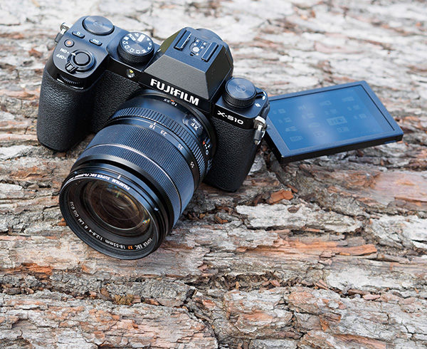 Fujifilm X-S10 review: hands-on first look