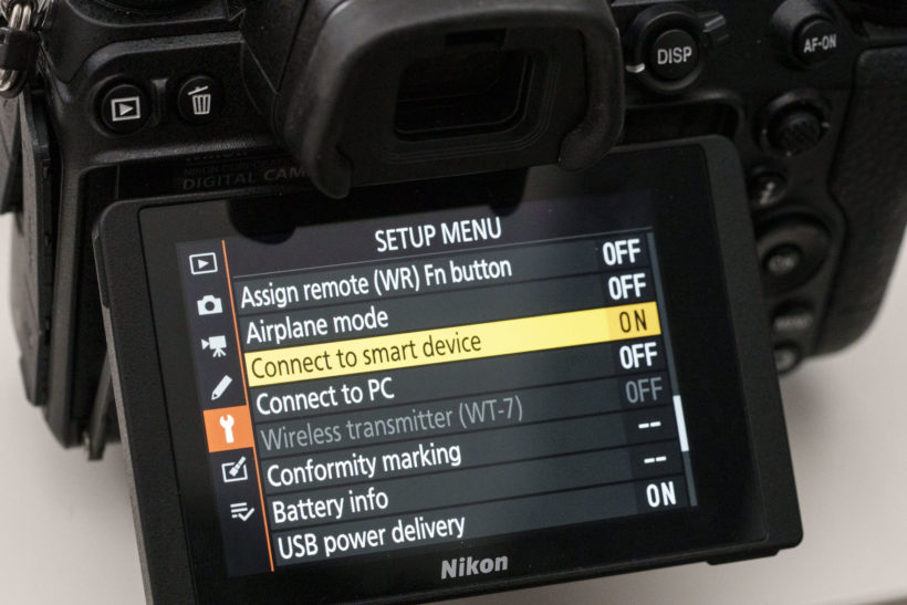 Which camera maker is best for connecting to smartphones?