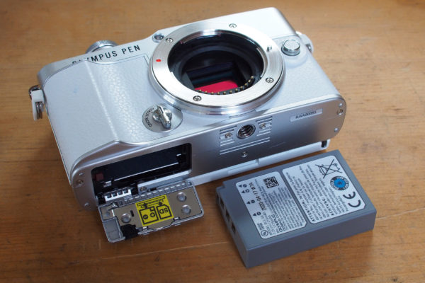 Olympus PEN E-P7 BLS-50 battery and memory compartment