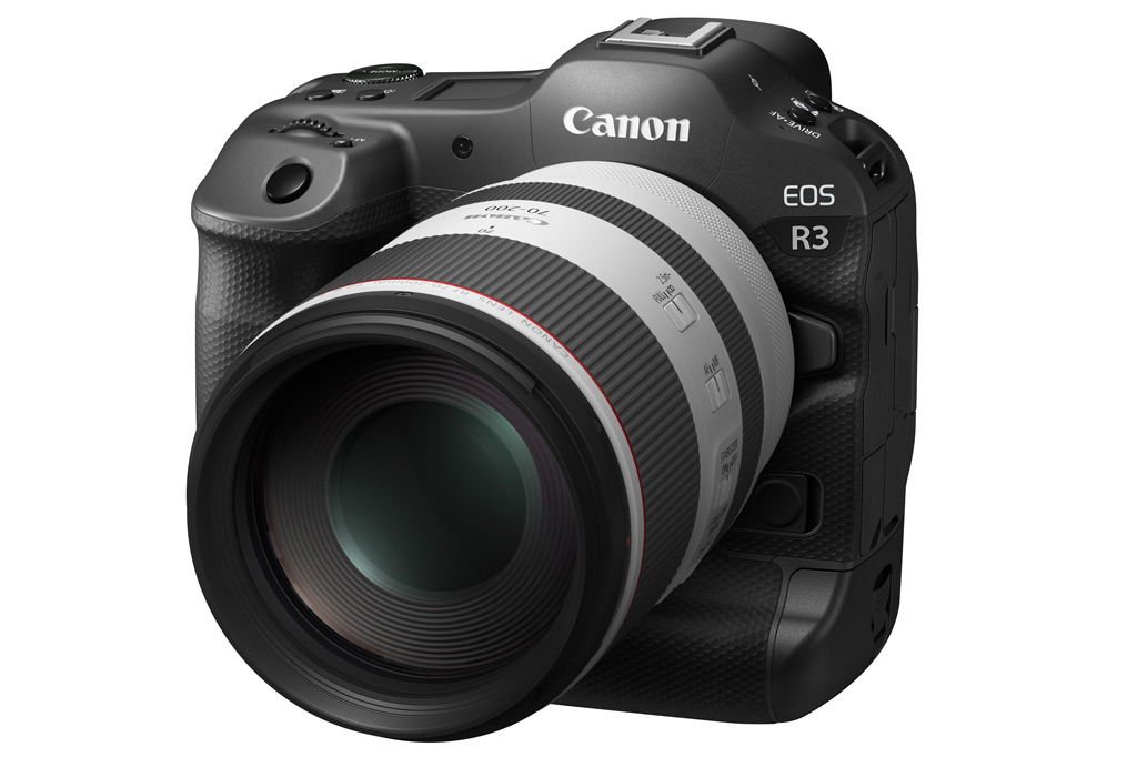 Canon EOS R3 with 70-200mm lens