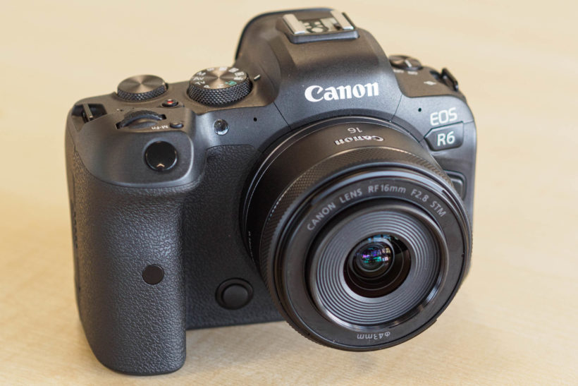 Small, lightweight Canon RF 16mm F2.8 STM prime