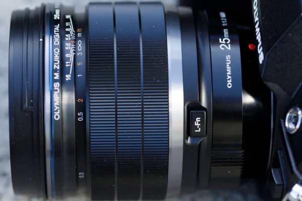 Olympus M.Zuiko 25mm F1.2 PRO Focus ring / manual focus clutch and function button