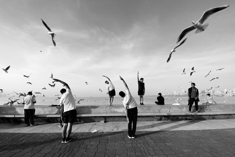 Using smartphones for street photography