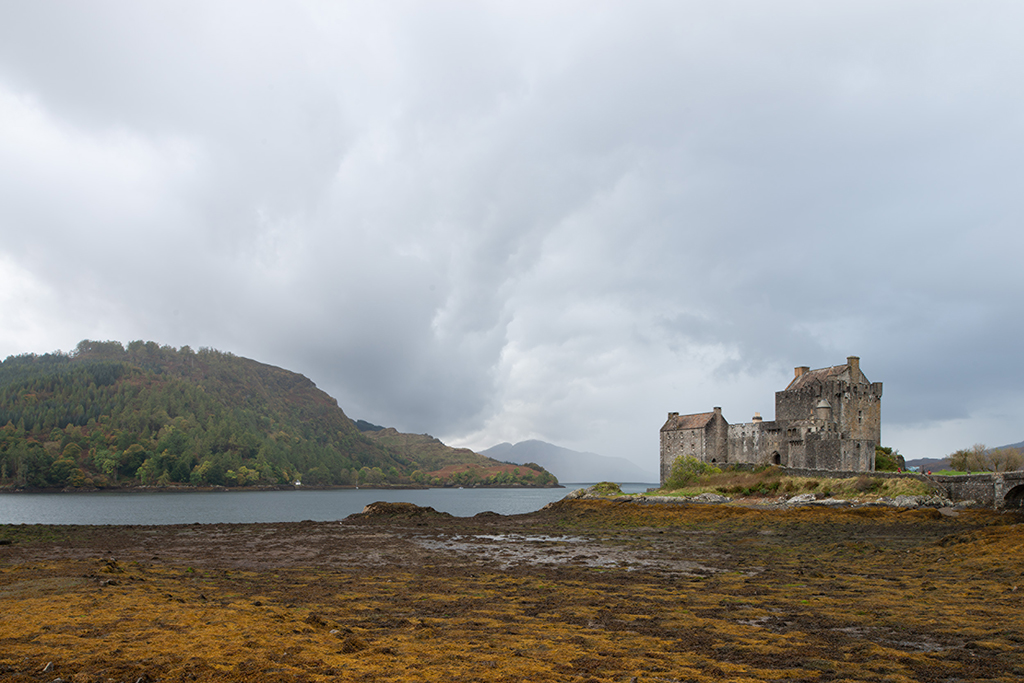 Eilean Donan Castle, before photo. without graduated filter adjustments, contrast and clarity