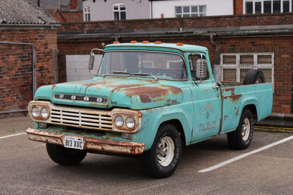 Old Ford Pickup Truck, 1/160s, f/4.5, ISO100, Sony 70-200mm at 70mm, with Sony A1